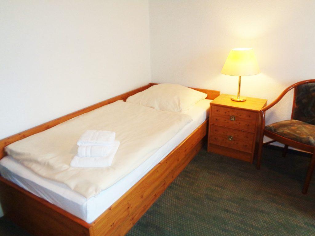 Zimmerbeispiel: Ein- oder Zweibettzimmer